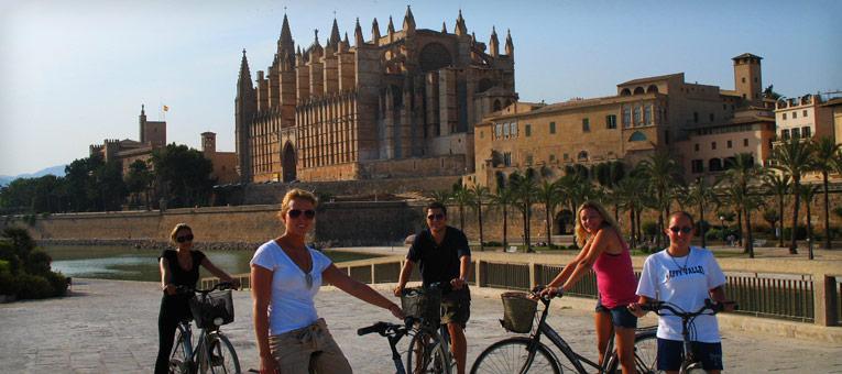 palma-de-mallorca-spain-business-tourism-main